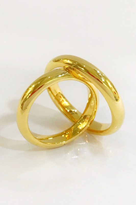 18K GOLD WEDDING RING