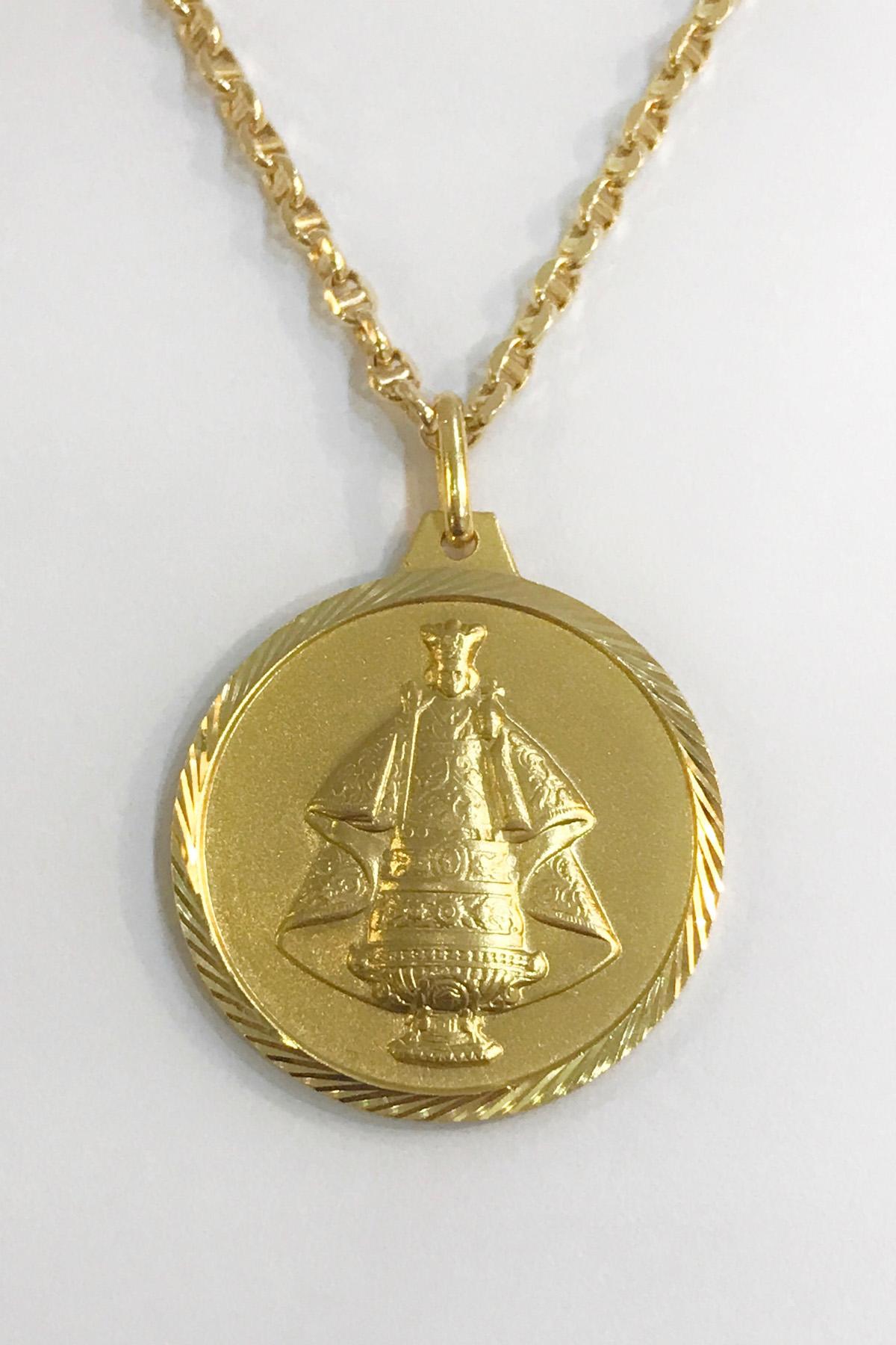 sto nino - religious medal gold pendant