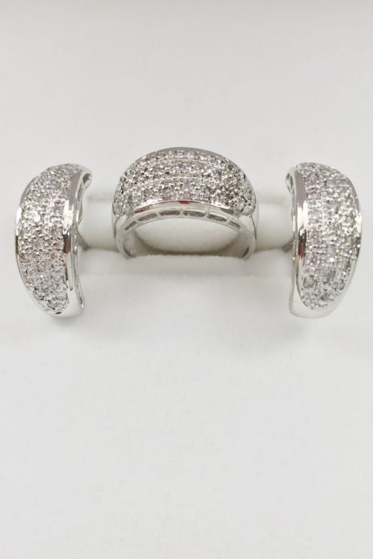 14k White Gold with diamonds